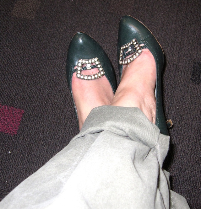 rolled cargo pants, old navy. (old). Green heels, Vintage. Same shoe clips