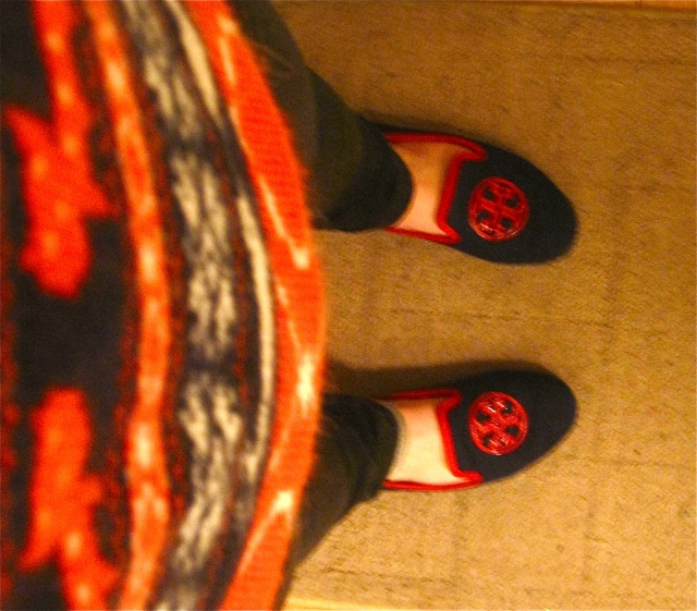 Fair Isle Sweater, J Crew. Black skinny jeans, Grane. Logo Slippers, Tory Burch, $57